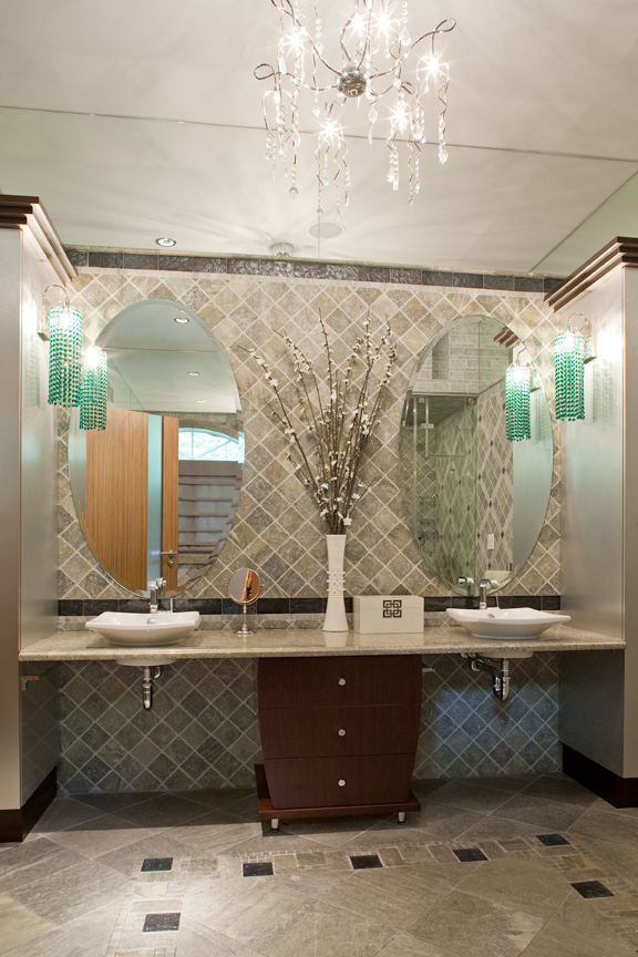 Classicaly modern wheelchair accessible bathroom for Handicapped accessible bathroom designs